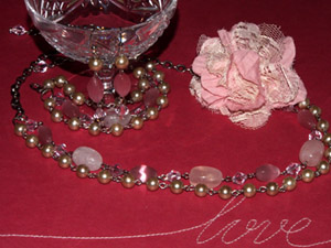 La Vie En Rose jewellery set